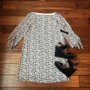 Tahari Black and White Patterned 1/2 Sleeve Dress